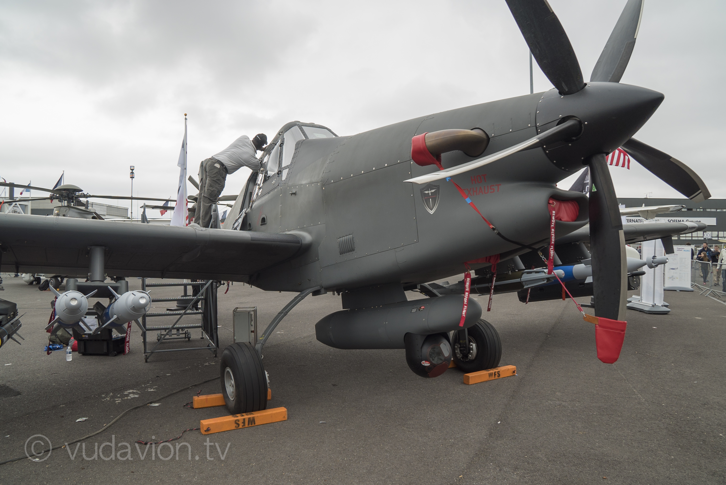 21 juin 2015 salon du bourget vudavion tv for Salon de l aviation le bourget