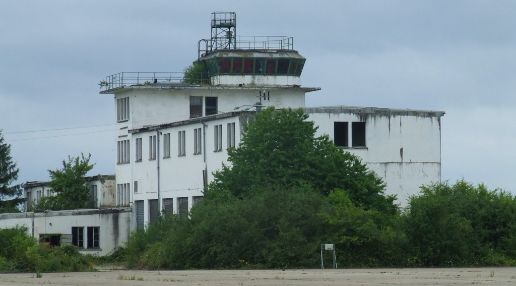Twr Dreux Air Base (photo Yvon CROSA)